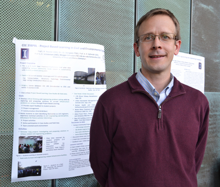 Professor Jeff Roesler, one of the instructors of CEE 398 PBL, during the SIIP poster presentation.