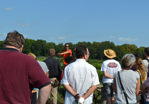 Kevin Wolz speaks to the visitors during the WPPR Field Day.